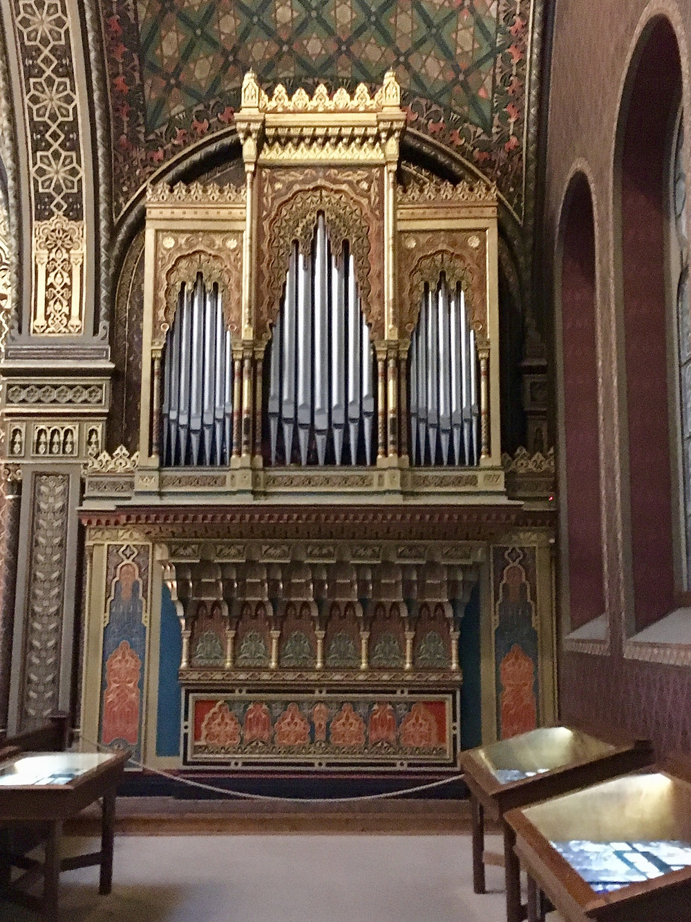 "Organ in the ""reform"" Spanish Synagogue, Prague"