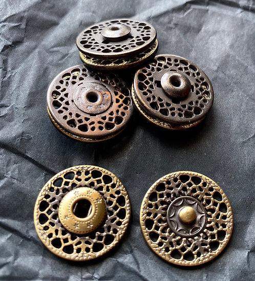 Metalldruckknöpfe, altmessing