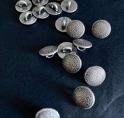 Metallknöpfe mit Steg, altsilber, Streupunkte, ab