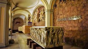 Cripta de la basílica menor de Santa Engracia. Zaragoza. Sarcófagos paleocristianos.
