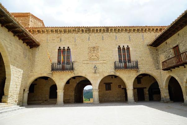 Cantavieja, capital del Maestrazgo turolense, pequeña localidad llena de historia y de encanto.