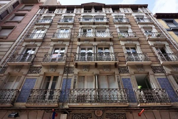 Calle Cádiz nº 3, obra del arquitecto Félix Navarro en la Zaragoza de principios del siglo XX.