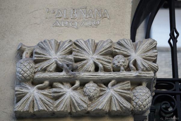 Edificio de la calle Almagro nº 5 de Zaragoza.