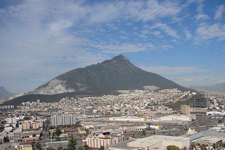 Cerro_de_las_mitras_Monterrey_Mexico_2.j