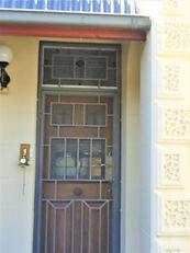 No 1 Horton Street Door Panels & Fanligh