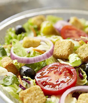 Olive Garden Type Salad.jpg