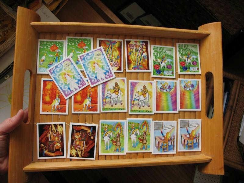 """Jeu de memory """"Alis au Pays des Merveilles"""" 20 cartes +  1 étui en tissu Disponible aussi en coffret avec le livre"""