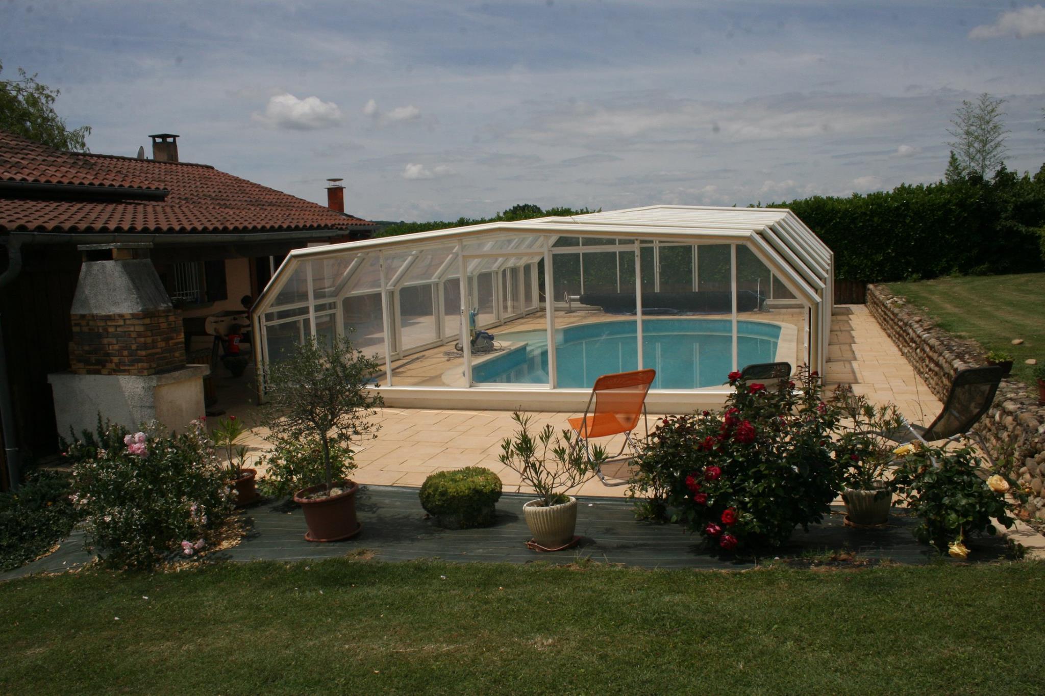 Extérieur avec piscine