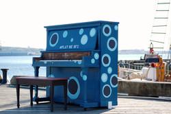 play me piano
