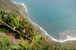 beach below cabo girão