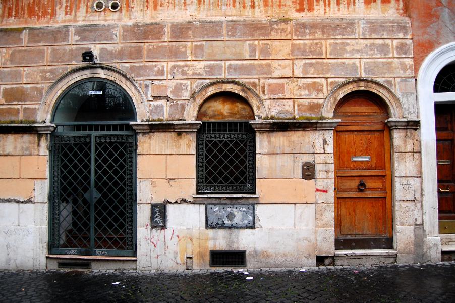 alley doors in italy