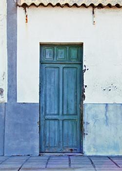 blue door in tenerife