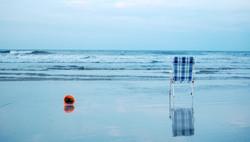 the empty beach chair