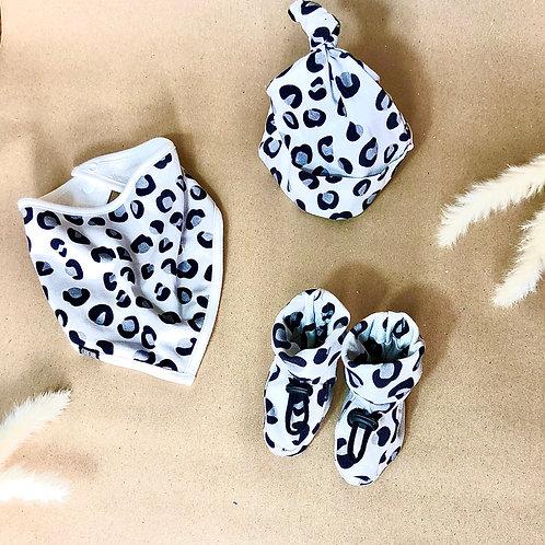 Grey leopard print cub set