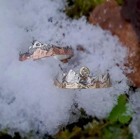 Verlobungsringe aus Weißgold, Gold, Rotgold, Silber & einem Diamant
