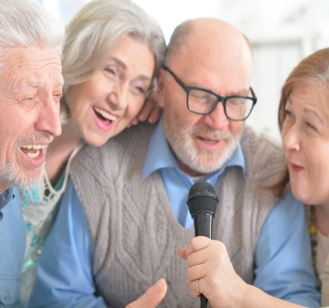 elderly_singers87.jpg