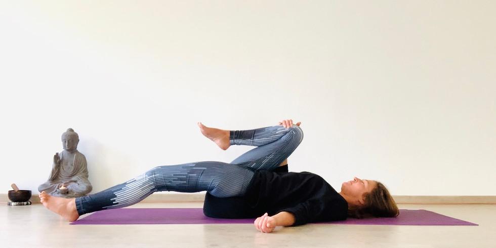 Gute Nacht Yoga + Entspannung (30 Minuten)