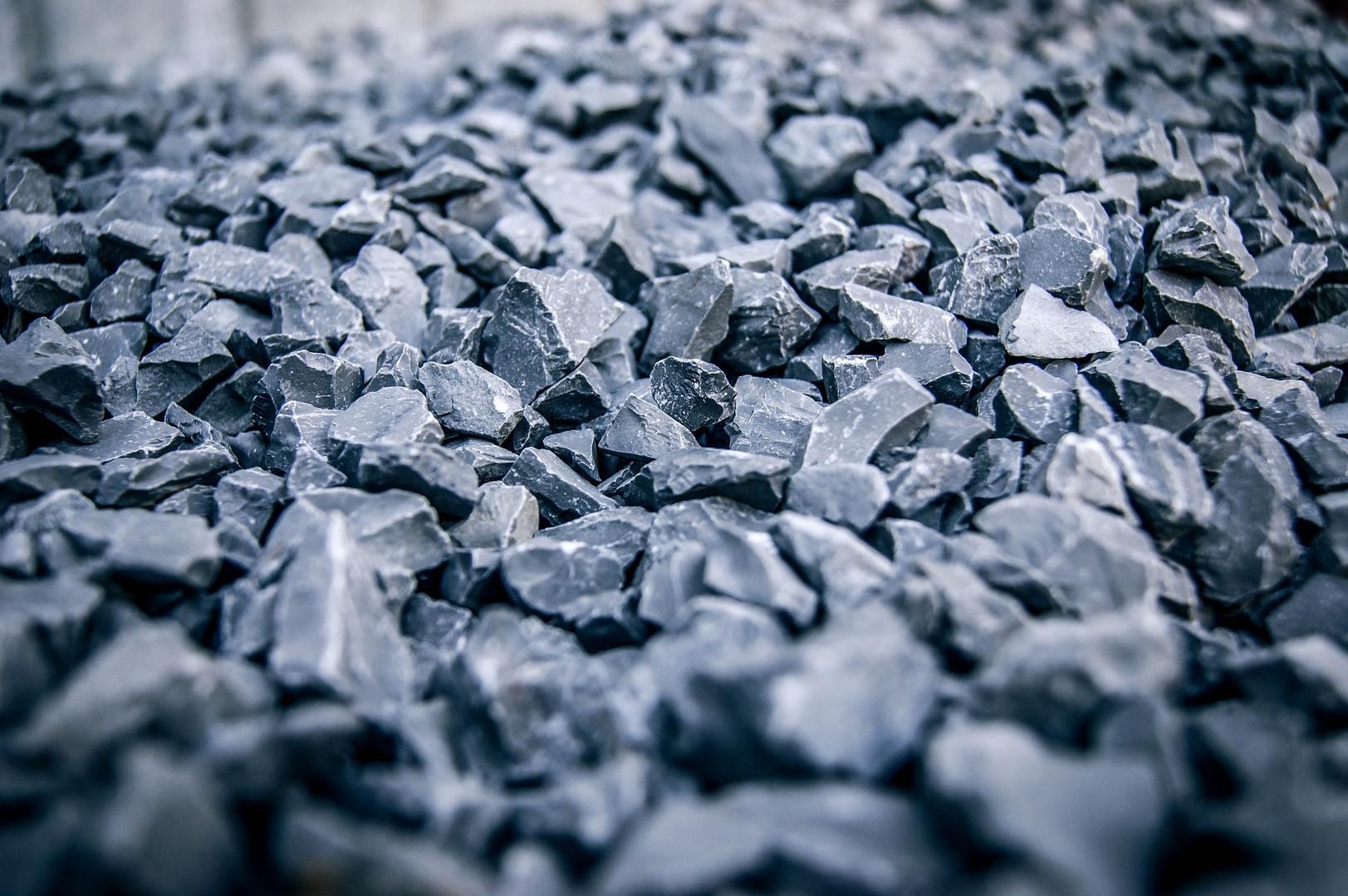 rocks-1869970_1920.jpg