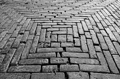 brick-3248755_1920.jpg