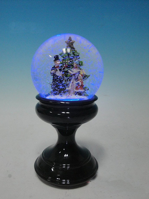 CHRISTMAS MUSICAL WATER BALL SNOW GLOBE WITH VICTORIAN CAROL SINGERS