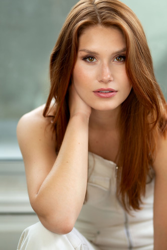 Natalie Sharp Headshot
