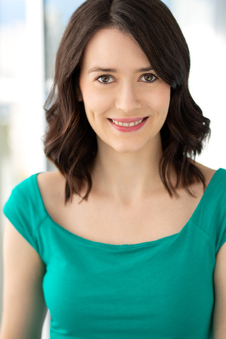Laura Aikens Headshot