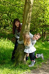 family-outdoor-photo-shoot-park-child-ph