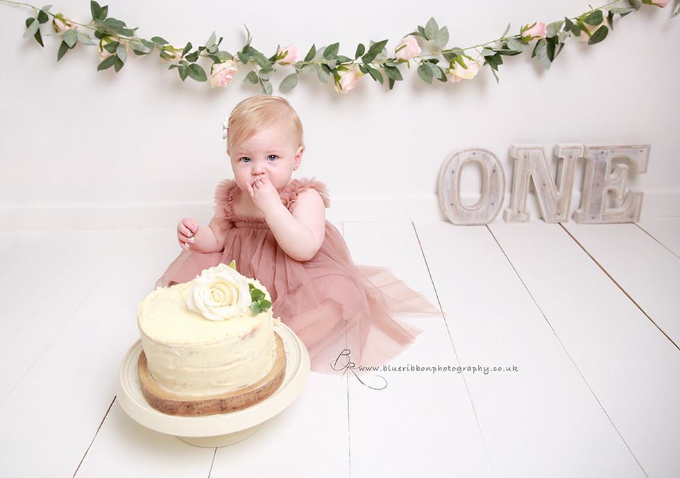 cake-smash-photo-shoot-blue-ribbon-photo