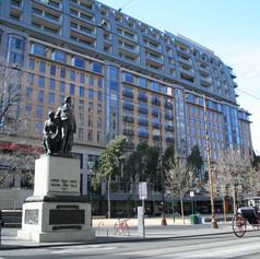 City Square Hotel