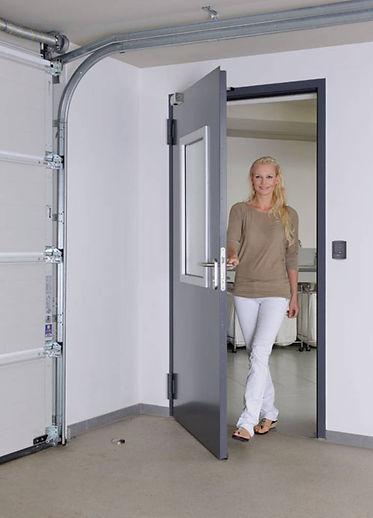 Puerta multifuncional H3D