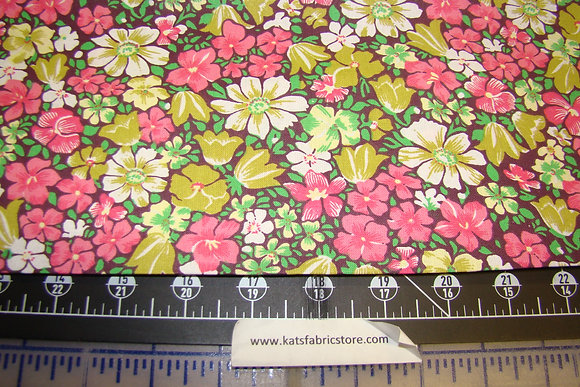 Quilter Calicos 343 Pink Green