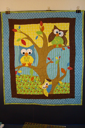 Flannel Appliqued Bright Owl Baby Crib Quilt