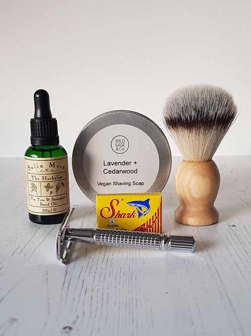 Shaving gift set for him beard oil mutiny razor blades shaving soap shaving brush