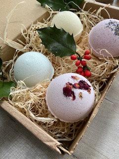 Bath Bomb Gift Set - Romance, Sunset, Minty Fresh , Lemon Pie Bath Bomb - The Salty Herb