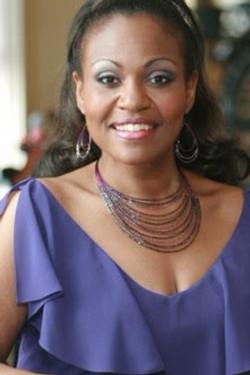 Lisa Gwyn (Vocal/Theatre)