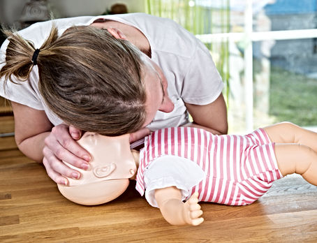 Paediatric first aid CPR on baby training do