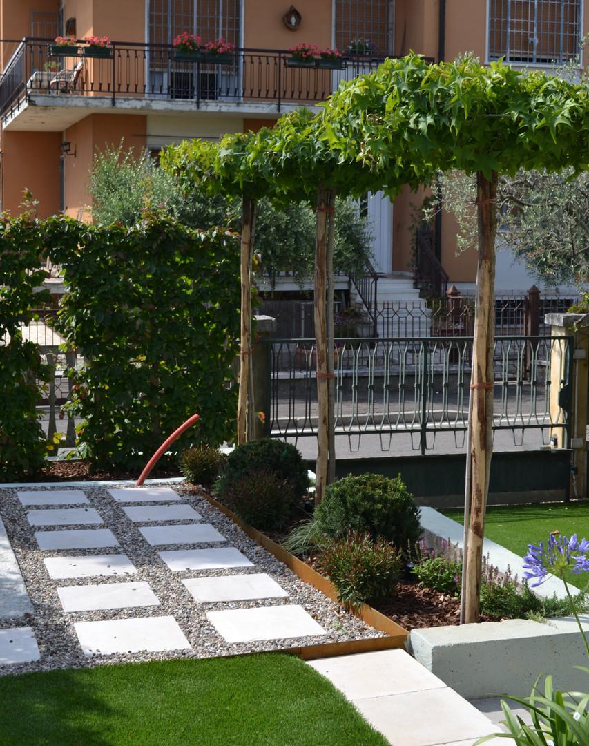 Giardino privato a Peschiera del Garda, VR