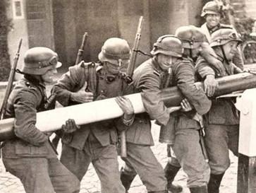 Putin blames Poland... for the invasion of Poland