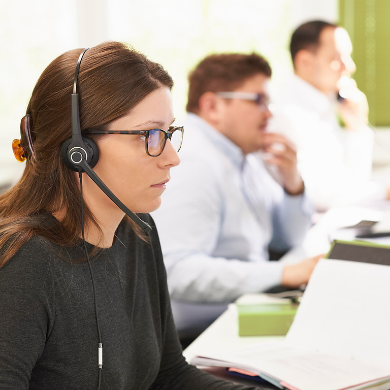 How to Engage and Retain Your Contact Center Team During a Challenging Year