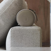 tr liam ii sectional sofa detail-crop-u1