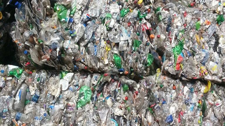 RR3166E 80,000 lbs per week, PET clear/green soda bottles in bales