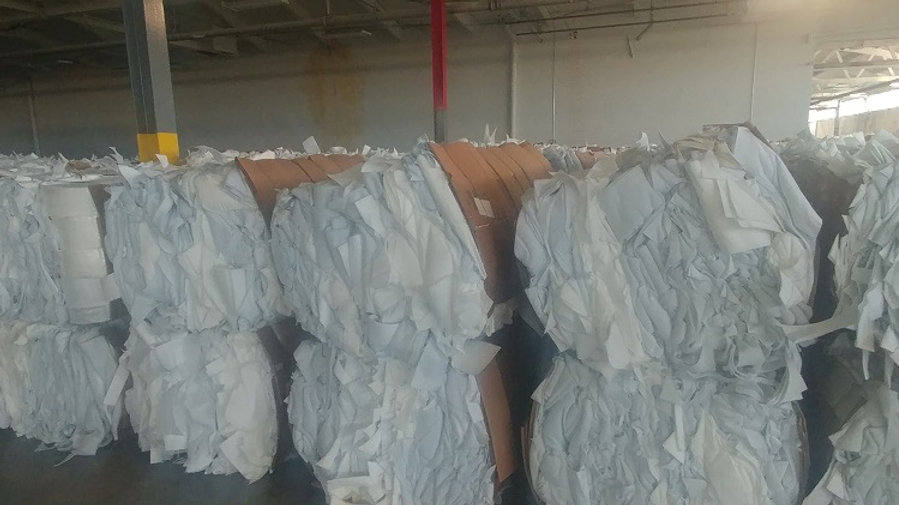 RR4020A 30,000 lbs 70% PE and 30% PP Felt in bales, ongoing supply. FAS Chicago,