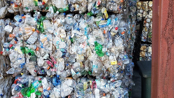 Offer RR2211E 40,000 lbs PET bottles in bales available