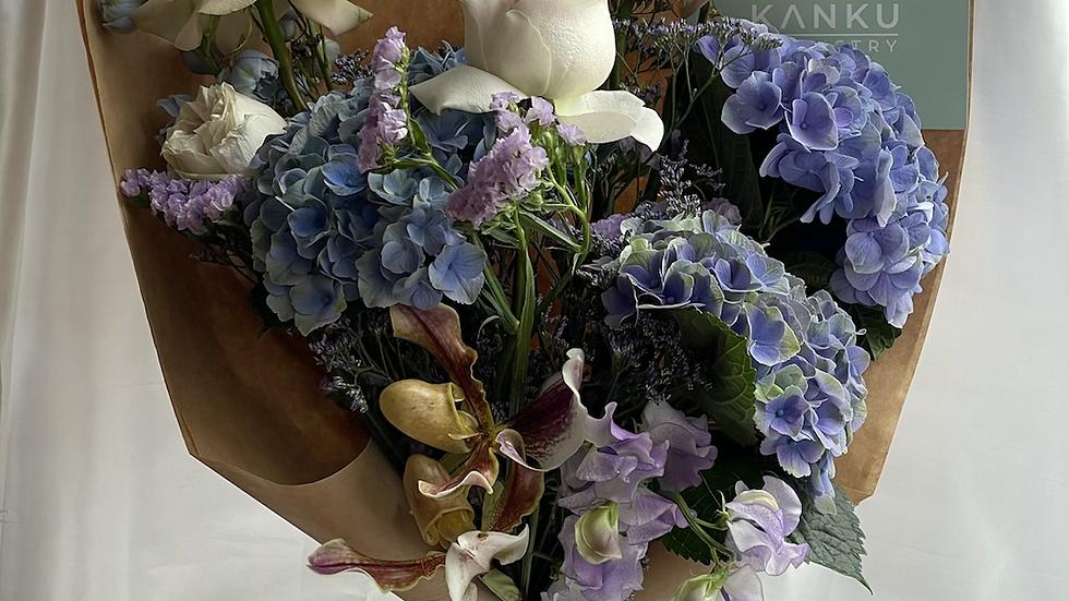 Kanku seasonal bouquet - blues, lilacs 'n' violets
