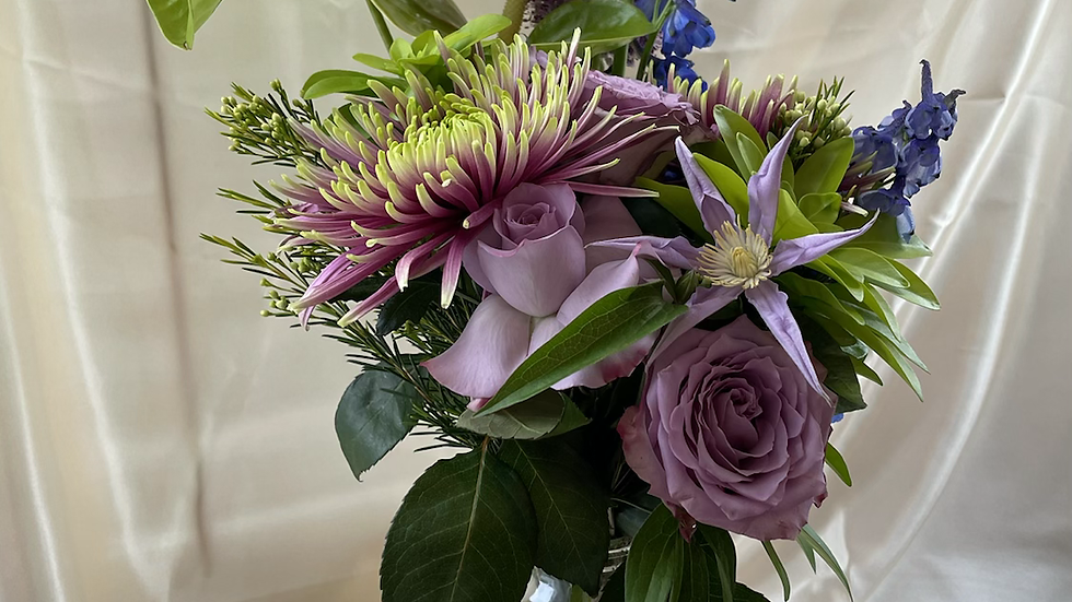 Kanku seasonal bouquet - blue edition