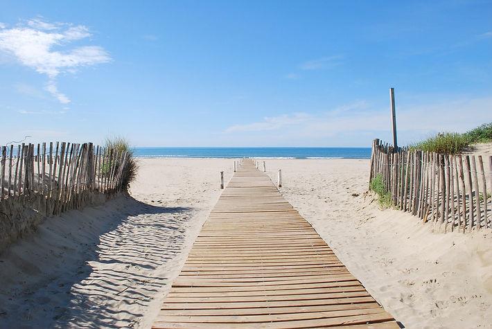 beach-1230721_1920.jpg
