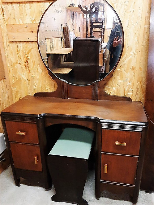 Low Dressing Table with Mirror
