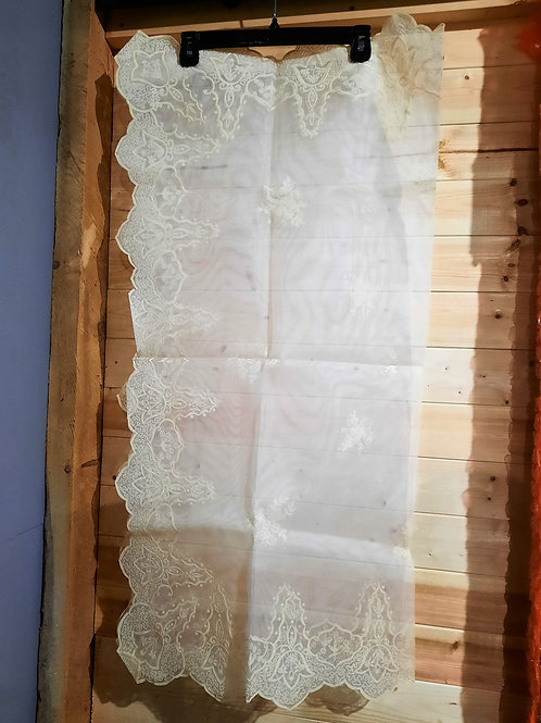 Ivory Lace Embroidered Tablecloth