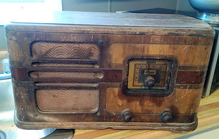 Old Electrohome Tube Radio
