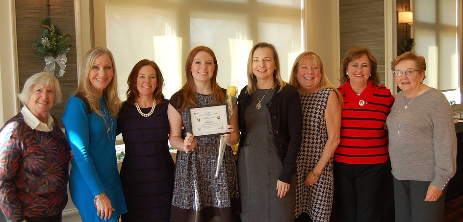 2017 Golden Rose Award.  Pictured left to right:  Jan Shapiro, Julianne Spilotro, Molly Shapiro, Audrey Shapiro,  Lizzie Cole, Mary Kaye Greene, Peggy Gaier, Cis Brogan